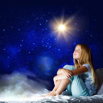 Niagara Falls Wonderland Festival of Lights-girl looking at the stars